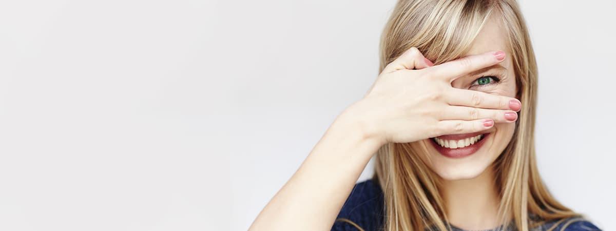 Czy kolorowe soczewki niszczą oczy ?