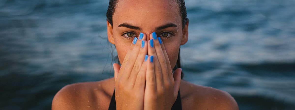 Czy można pływać w soczewkach kontaktowych?